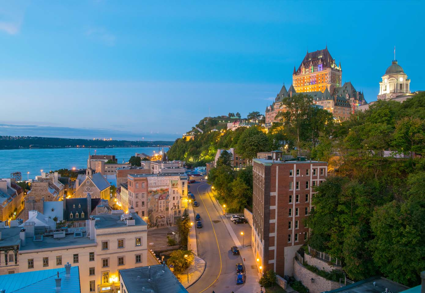 Hotel 71 Quebec City, Canada LGBT+ Same-sex lesbian wedding honeymoon accommodation travel Dancing With Her directory magazine
