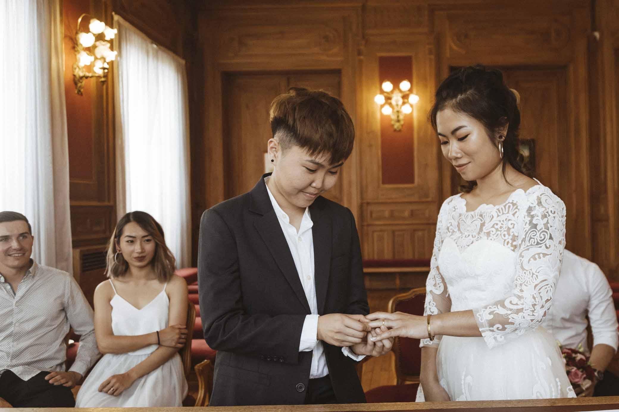 Février Photography lesbian gay same-sex couple lgbt Asian Vietnamese couple wedding marriage Europe France Paris Vietnam elopement Dancing With Her magazine directory