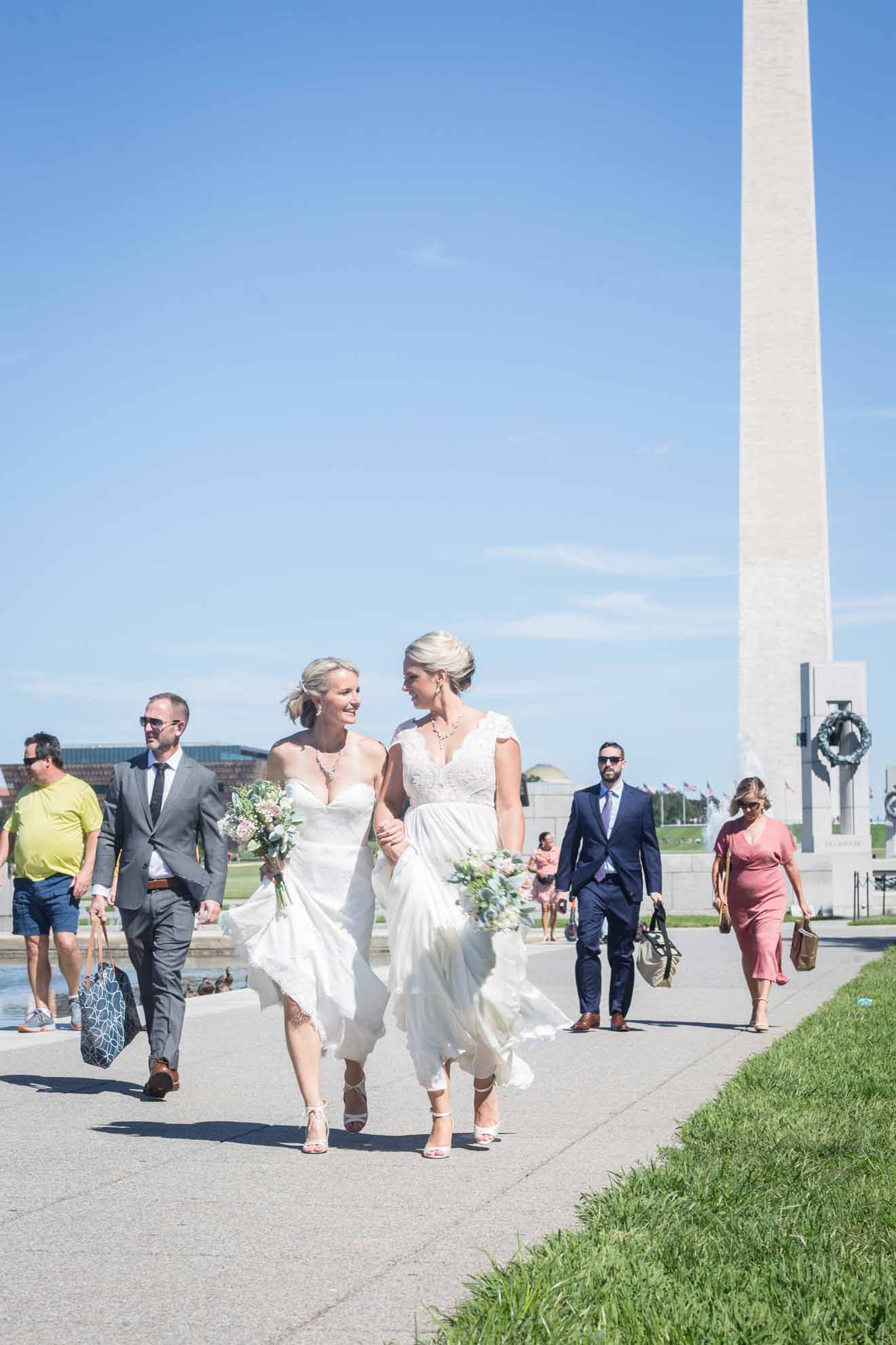 Denis Largeron photography lesbian gay two brides mrs & mrs family wedding Washington DC USA (1)