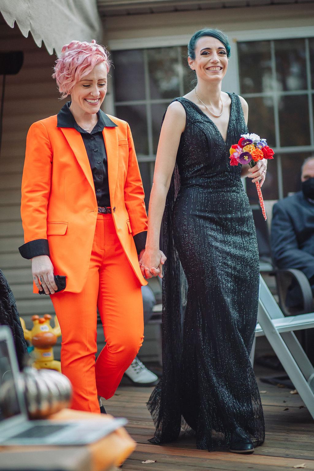 Sarah Foley photography lesbian gay queer lgbtqia+ Reeding Pennsylvania small COVID-19 wedding marrage Dancing With Her (4)