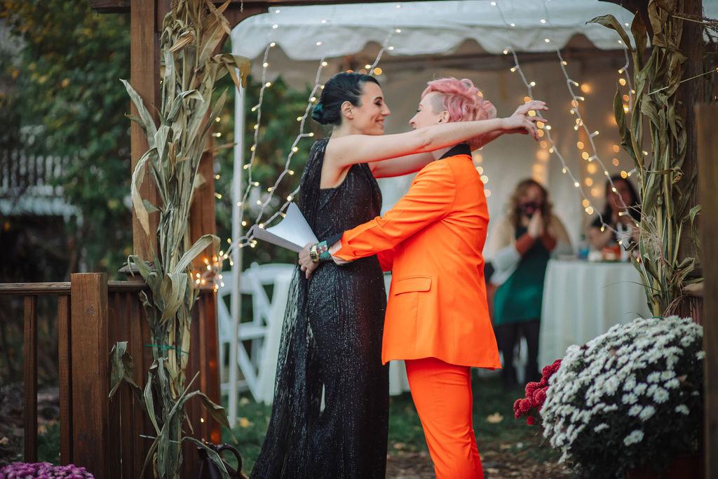 Sarah Foley photography lesbian gay queer lgbtqia+ Reeding Pennsylvania small COVID-19 wedding marriage Dancing With Her (4)