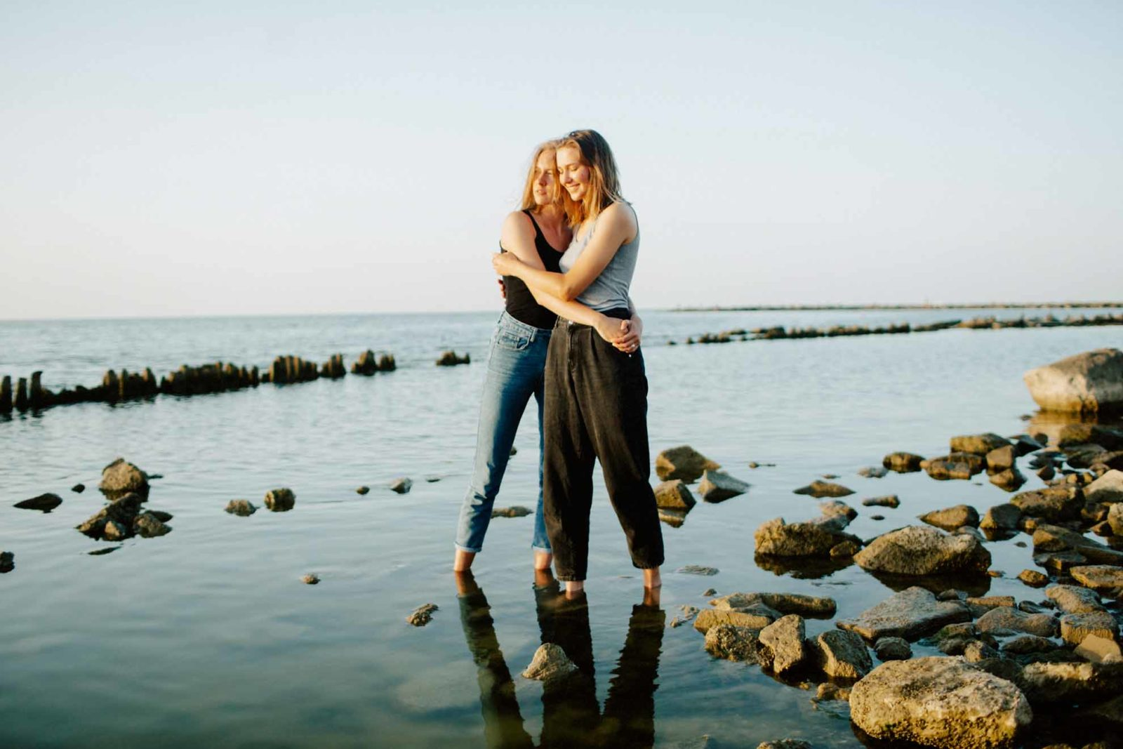 Darya Elfutina Photography lesbian same-sex lgbt+ Moscow Russia Europe love Dancing With Her magazine