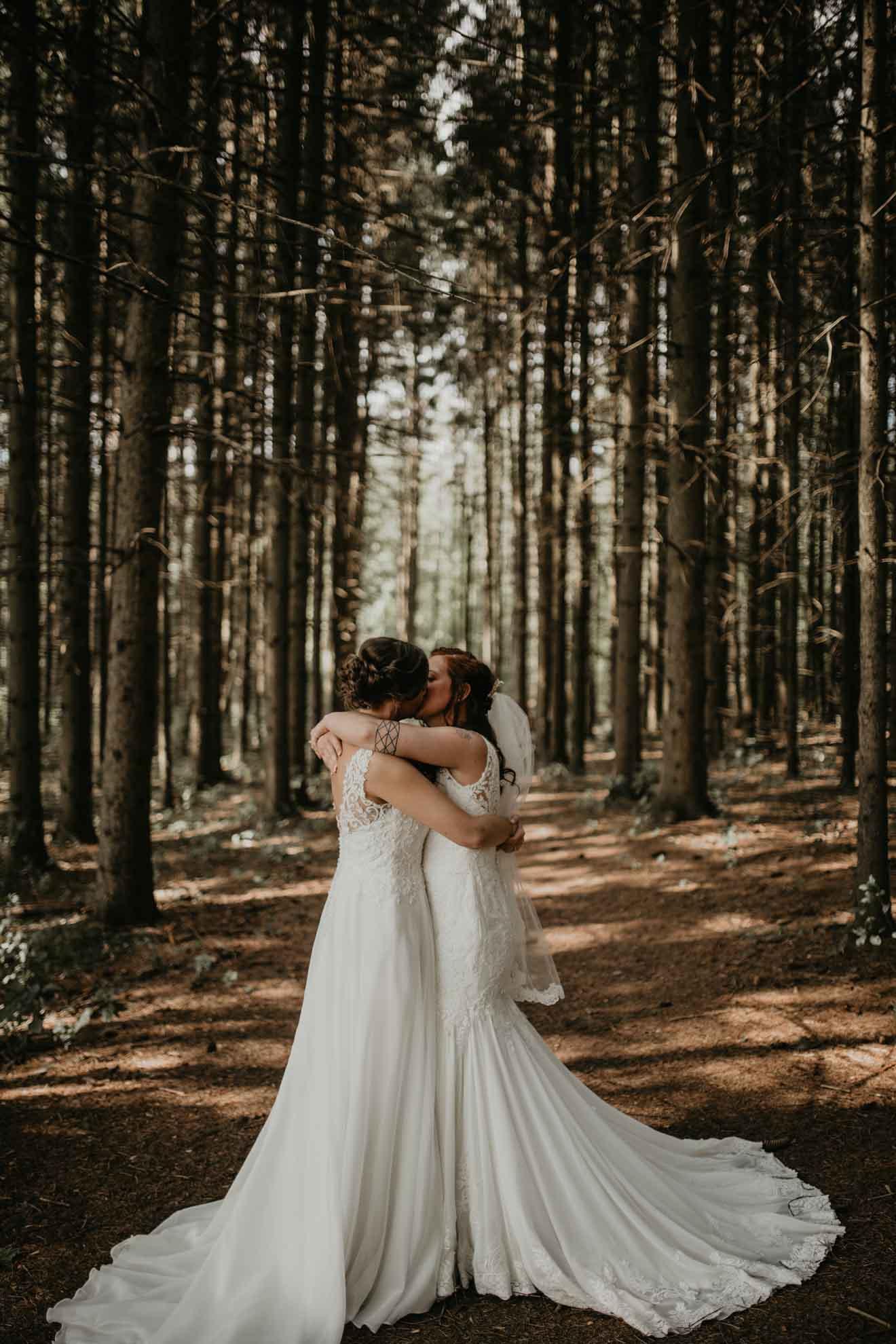 Sandra Lynn Photography lesbian lgbt+ same-sex couple wedding Milwaukee USA Dancing With Her online directory