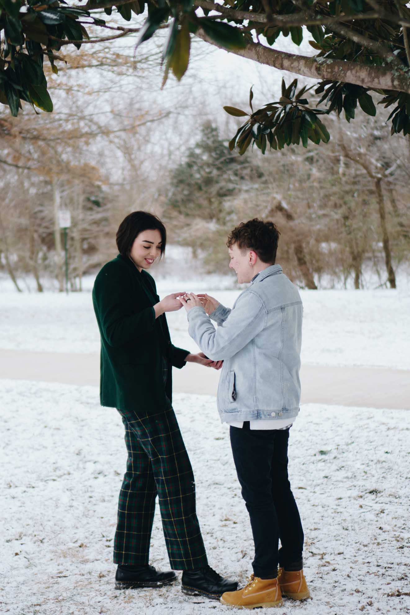 Annamarie Trank PHOTOGRAPHY lesbian queer lgbt+ couple winter America USA engagement proposal snow Dancing With Her magazine (1)