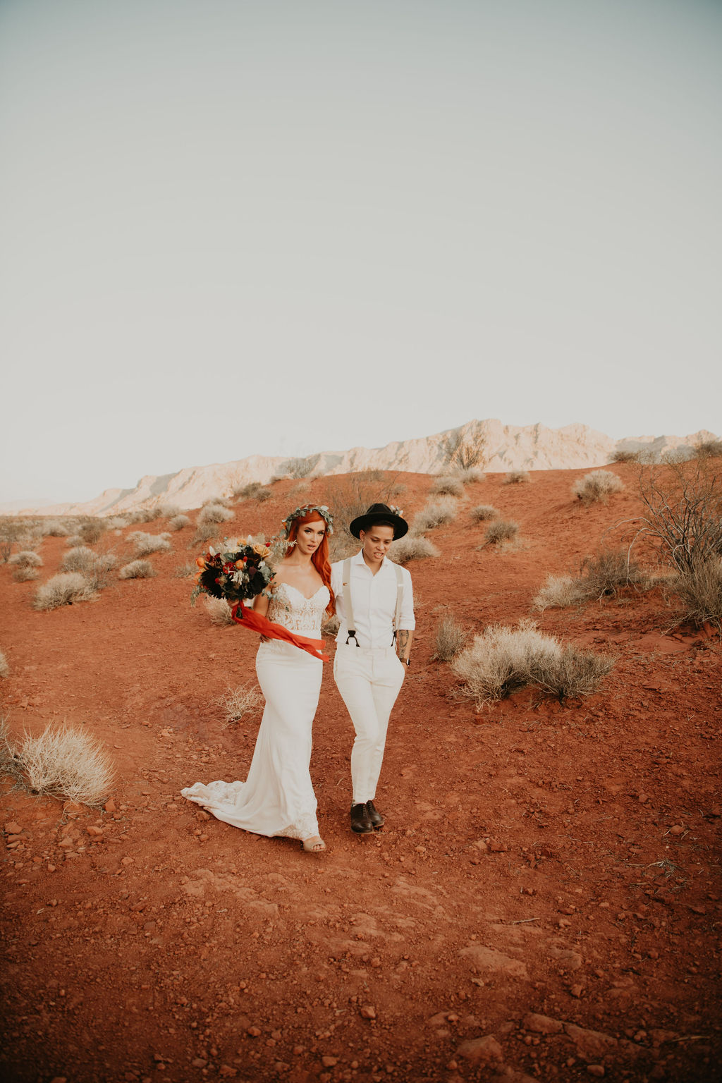 Bella Leigh Photography lesbian gay queer covid-19 elopement NevBella Leigh Photography lesbian gay queer covid-19 elopement Nevada USA Dancing With Her (1)ada USA Dancing With Her (1)