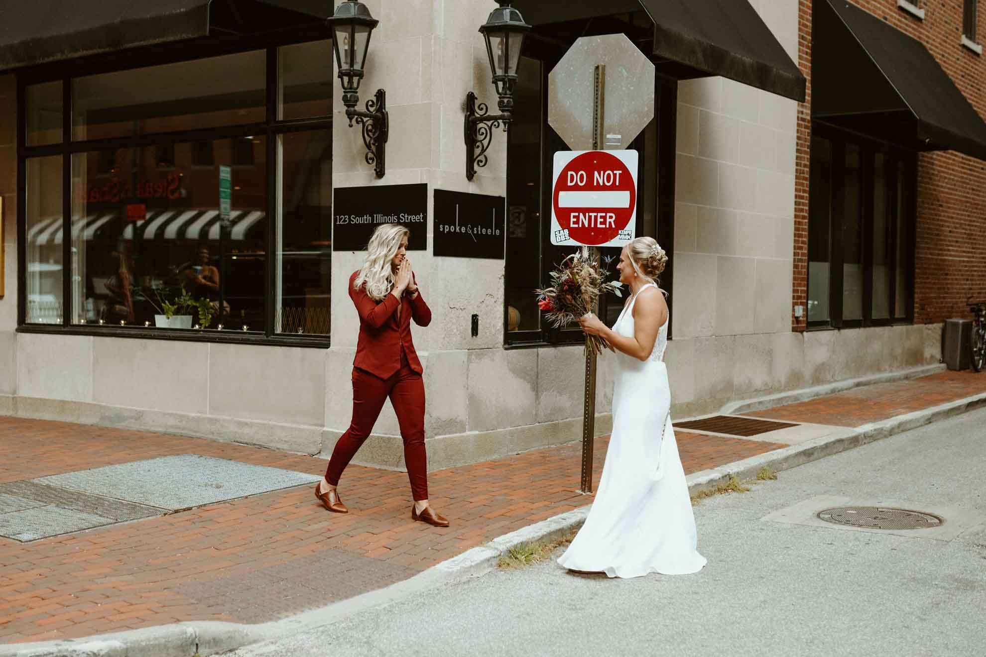 Usa Indianapolis two brides dancing with her magazine Abbey Elaine Photography