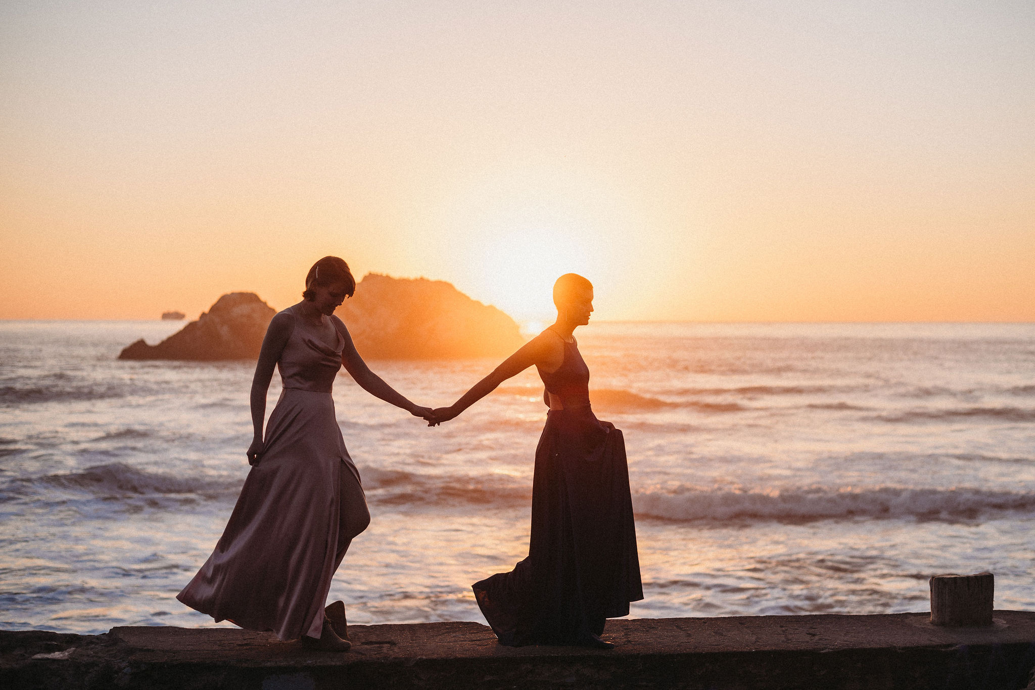 Photographer Kassia J San Francisco lesbian queer non-binary love beach USA photography Dancing With Her (3)