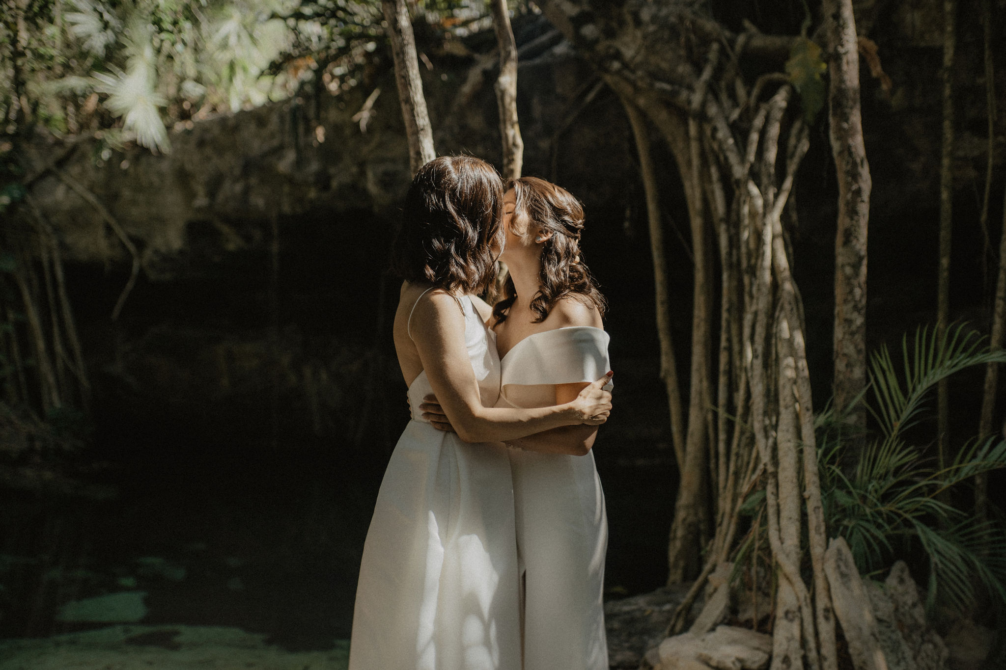 Conie Suarez Bravo photography lesbian gay LGBTQIA+ couples Mexico Elopement Cultural wedding Dancing With Her (1)